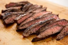 Best flank steak marinade recipe - how to cook flank steak in oven or grill Healthy Recipes, Oven Recipes, Grilling Recipes, Slow Cooker Recipes, Cooking Recipes, Easy Recipes, Shrimp Recipes, Drink Recipes, Cooking Tips