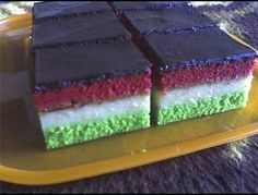 Magyar szelet - EZ SZUPER JÓ Hungarian Desserts, Hungarian Cake, Hungarian Recipes, Meringue Kisses, Four, Cake Cookies, Vanilla Cake, Cookie Recipes, Nom Nom