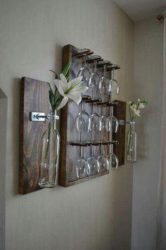 Image of: pallet wine glass rack rustic diy joy diy wood pallet wine rack Deco Restaurant, Diy Casa, Wine Glass Holder, Wall Wine Glass Rack, Dyi Wine Rack, Pallet Wine Rack Diy, Unique Wine Racks, Wine Glass Storage, Bottle Holders