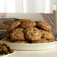 White Chocolate Oatmeal Raisin Cookies by David Venable QVC White Chocolate Chip Cookies, Oatmeal Raisin Cookies, Chocolate Chip Oatmeal, Raisen Cookies, Baking Recipes, Cookie Recipes, Dessert Recipes, Bar Recipes, Yummy Recipes