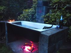 Afbeeldingsresultaat voor firebath - New Ideas Indoor Outdoor Bathroom, Outdoor Tub, Outdoor Life, Outdoor Living, Outdoor Decor, Hot Tub Room, Hot Tub Garden, Cast Iron Tub, Backyard Retreat