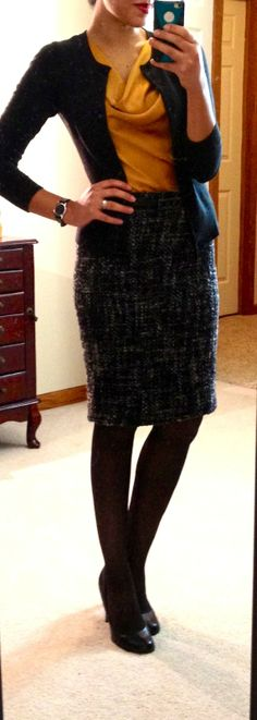 Fall fashion for work: Black cardigan, mustard blouse, black tweed skirt Office Fashion, Business Fashion, Work Fashion, Business Casual, Business Wear, Fashion Design, Office Outfits, Casual Outfits, Work Outfits