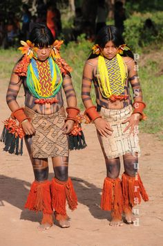 Girls of the Karaja tribe . Brazil Amazon