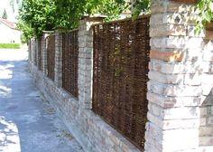 Zaunsysteme Zaunelemente Aus Weide 12 Kombination Traditioneller Baumaterialien Ziegel Und Weide