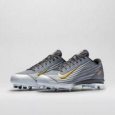 e0724228c37 Yo quiero el nike zapatos de beisbol. Yo cuesto cien dolares en el internet.