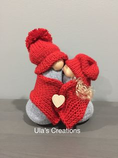Valentine Day Crafts, Valentine Decorations, Easter Crafts, Holiday Crafts, Gnome Pictures, Christmas Gnome, Crafty Craft, Crafts To Do, Crochet Patterns