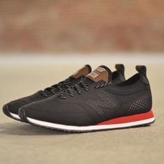 New Balance C-Series 600: Black/Red