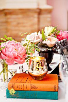Livros, velas e flores #decor #home