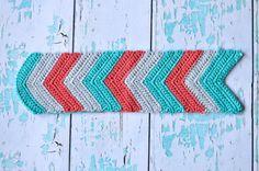 Chevron Crochet Tablet Pouch - Free Crochet Pattern - Whistle and Ivy Crochet Phone Case Pattern Free, Chevron Crochet Patterns, Crochet Phone Cases, Pouch Pattern, Quick Crochet, Free Crochet, Ipad Mini, Crochet Wallet, Pikachu Crochet
