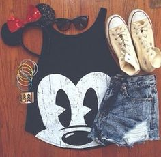 Talia} My outfit for disney!!! :) show me your guys outfits !! ( I'm going for the minnie mouse look )