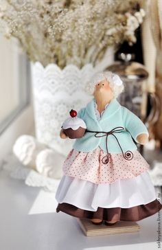 "Кукла тильда ""Толстушка-сладкоежка"" — работа дня на Ярмарке Мастеров ➡ http://www.livemaster.ru/item/7909587 / Tilda Doll"