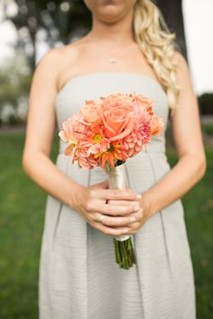 Bridesmaid bouquets: Coral flowers... LOVE!