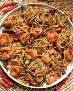 Kung pao shrimp spaghetti  (I used California Pizza Kitchen kung pao spaghetti recipe from dinnerthendessert.com ) #kungpao #spaghetti #noodles #homecooked #thecolorsofyum