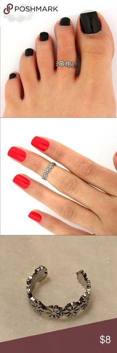 🆕 item 🌼 flower toe ring Adjustable flower toe or finger ring, silver, lifelike detail Jewelry Rings