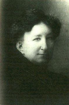 Big Nose Kate-- Mary Katherine Horony Cummings (November 1850 – November was the Hungarian-born long-time companion & common-law wife of fabled gambler & gunfighter Doc Holliday in the American Old West. Despite numerous adventures, she lived a long life. Old West Outlaws, Old West Photos, Tombstone Arizona, Doc Holliday, Into The West, Big Noses, Le Far West, All Family, Thats The Way