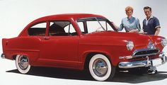 Lucy & Desi: 28 Beautiful Color Photographs of Lucille Ball and Desi Arnaz in the ~ vintage everyday Lucy And Ricky, Old American Cars, Desi Arnaz, Hollywood Heroines, Classy Cars, Lucille Ball, I Love Lucy, Rockabilly Fashion, Vintage Advertisements