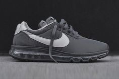 A new Fragment Design x Nike Air Max LD Zero popped up recently in a 'Cool Grey' colourway, siimilar to the earlier navy version.