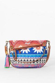 Compra los bolsos de mujer Desigual más originales  de mano 6ceed13138b7