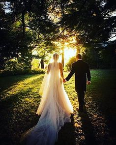 The light of each others lives �� . . . . #brideandgroom #husbandandwife #weddinggoals #countrywedding #forest http://gelinshop.com/ipost/1523132654396373297/?code=BUjQRRLF_kx