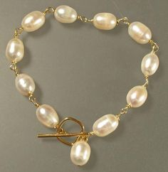 Freshwater pearls and gold bracelet