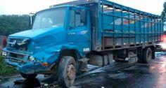 A vítima ficou presa nas ferragens do veículo. A mesma foi socorrida para o hospital de São José do Egito.