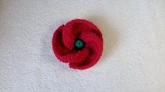 Crochet Poppy Design 3 of 3 - Free crochet flower written pattern and video tutorial by Crochet Poppy Free Pattern, Knitted Flower Pattern, Knitted Poppies, Knitted Flowers, Crochet Motif, Ravelry Crochet, Crochet Small Flower, Knitting Websites, Knitting Patterns