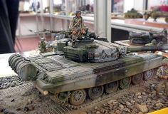 T-72M1 (DDR tank in west Germany) Dragon/Italeri 1/35 Modeler: Luigi Cuccaro