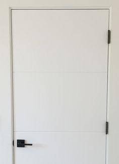 Favorite Affordable Black Door Hardware - Juniper Home Black Interior Doors, Door Design Interior, Black Doors, White Doors, Black Door Hardware, Black Door Handles, White Internal Doors, Internal Door Handles, White Bedroom Door
