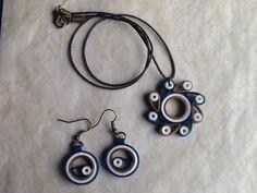 Le chouchou de ma boutique https://www.etsy.com/fr/listing/269140711/collier-et-boucles-doreille-en-quilling
