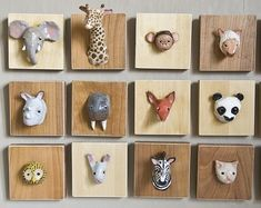 DIY animal wall art (also fun with the behinds) Diy Wand, Fun Crafts, Diy And Crafts, Arts And Crafts, Diy For Kids, Crafts For Kids, Mur Diy, Plastic Animals, Diy Wall Decor