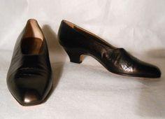 Yves Saint Laurent Dark Brown Leather Classic Pumps Sz 8.5 N $35.00 O.B.O http://www.ebay.com/itm/251364731056?ssPageName=STRK:MESELX:IT&_trksid=p3984.m1555.l2649