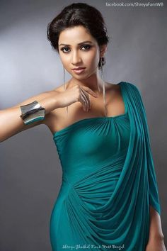 Shreya ghoshal singer hot images and sexy thigh legs pictures and sexy boobs visible images and sexy cleavage images and largest sexy navel . Sonam Kapoor, Deepika Padukone, Sonakshi Sinha, Hot Actresses, Indian Actresses, Bikini Images, Bikini Pics, Hot Bikini, Top Celebrities