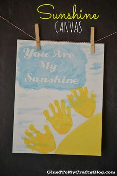 Handprint Sunshine Canvas {Crafts}