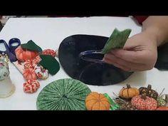 Porta pano de prato de abóbora com CD - YouTube Crafts With Cds, Christian Verses, Make It Yourself, Craft Box, Diy And Crafts, Dish Towels, Shoe Box, Decorative Crafts, Christmas Art