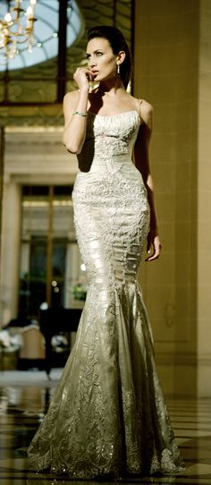 ru_glamour: Haute Couture by Mario Sierra. Fall Wedding Gowns, Bridal Gowns, Wedding Dresses, Lace Wedding, Dresses Short, Nice Dresses, Elie Saab, Beautiful Gowns, Beautiful Outfits