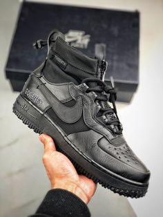 Nike Shoes Air Force, Nike Air Force Ones, Sneaker Boots, Air Max Sneakers, Sneakers Nike, Mens Boots Fashion, Fresh Shoes, Hype Shoes, Nike Shoes Outlet