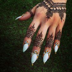 g3nies: genie nails.