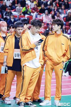 iKON on ISAC Official Photos Behind - iKON Updates Kim Jinhwan, Chanwoo Ikon, Bobby, Yg Entertaiment, Eunji Apink, Ikon Kpop, Ikon Debut, Ikon Wallpaper, Hip Hop