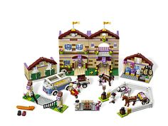 Head off to Summer Riding Camp with the LEGO Friends!