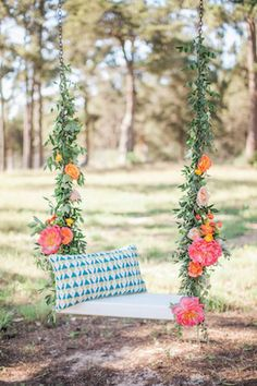 67 best flower swing photography images in 2018 Wedding Swing, Dream Wedding, Wedding Backyard, Garden Weddings, Wedding Stage, Swing Photography, Wedding Photography, Diy Swing, Summer Porch