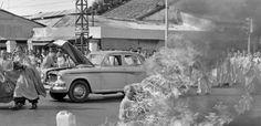 En juin 1963, la photo de l'acte de résistance extrême d'un moine bouddhiste vietnamien 633 × 306