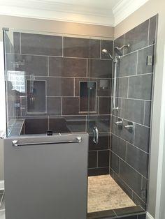 begehbare freistehende dusche und holzboden zuhause ist es am sch nsten. Black Bedroom Furniture Sets. Home Design Ideas