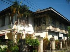 """The classic Filipino mansion truly shows the beauty of Philippine architecture and interior design. These classic """"big houses"""" are usually found in Northern Luzon, some in Manila and a few spread out all over the islands."""