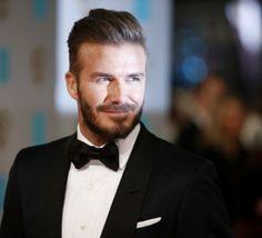 """David Beckham désigné """"homme le plus sexy au monde"""" par le magazine People"""