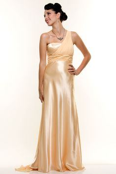 A gorgeous, Golden Age of Hollywood - style wedding dress for under $100!