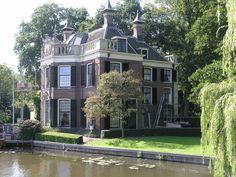 Huis aan de Vecht, Netherlands  **so lovely... ;)