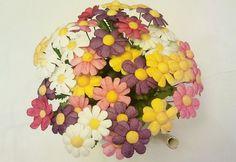 İpek Kozasından Papatya  Sipariş vermek için: www.ipekelsanatlari.com - info@ipekelsanatlari.com  *****************************************   Daisy made of silk cocoon  Buy it Online! www.ipekelsanatlari.com - info@ipekelsanatlari.com     #ipek #koza #cicek #papatya #daisy #diy_crafts #design #silk #cocoon #daisy #flower #ipekbocegi #ipekelsanatlari #handmade #ipekbocegi #ipekelsanatlari