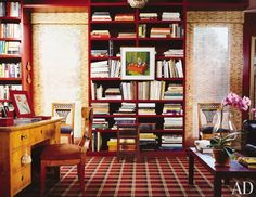 In his Hudson Valley residence, the late hairdresser Kenneth Battelle kept up a personal tradition of red libraries with a Chinese red version. Related: AD's Guide to Decorating with Color