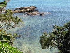 Praia da Lagoinha - Bombinhas, SC - Brasil (http://turismo.bombinhas.sc.gov.br/praias/prainha-embrulho-e-lagoinha/)