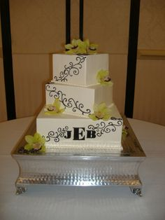 wedding cake..off centered, 3 square tiers